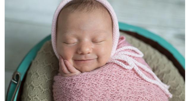 Yasmin | 7 dias de vida | ensaio newborn | Dois Irmãos | menina | fotógrafo infantil e de família São Leopoldo